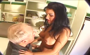 Mature man shows MILF how to suck cock.